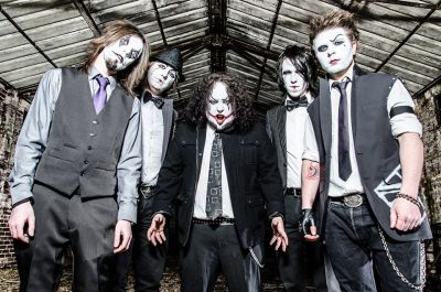 York's classic rock clowns A Joker's Rage have been touring the national stage for the last 12 months promoting their 2013 self-released EP 'The Masquerade'; a journey that has seen […]