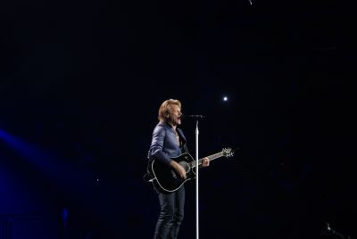 Check out our shots of Bon Jovi's recent romp at the 02 Arena in London town! We get up close and personal with the man himself below… Another close one […]