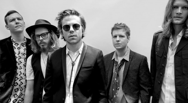 Here's our latest video interview with Cage The Elephant from Manchester's O2 Apollo. Here, Dom Smith and the Soundsphere magazine team catch up with Matt and Brad Shultz of Cage […]