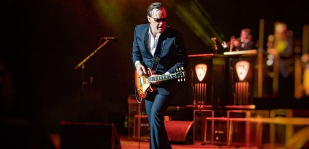Legendary Bluesman Joe Bonamassa gives a right royal performance in London, one of 3 sold out nights in this incredible venue.