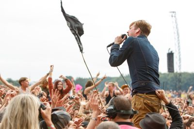 Kaiser Chiefs have confirmed they will headline London's 02 Arena onFebruary 13, 2015, followed by a giant home-coming at Leeds Arena on February 14. Kaiser Chiefs havejust spent two weeks […]