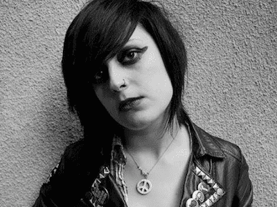 Check out the brand new video from Louise Distras for 'Love Me The Way I Am'!