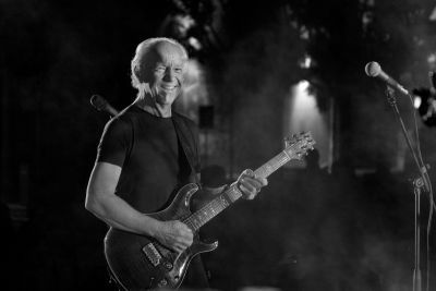 As Jethro Tull are taking a long break from touring, Martin Barre, legendary Rock guitarist who toured the world with Tull for 43 years, has put together a band called […]