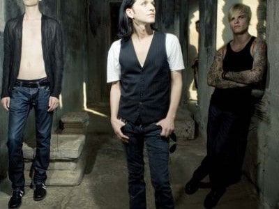 Placebo have confirmed that they will appear at Sonisphere Festival which takes place from July 30 – August 1, 2010. The band join Iron Maiden, Rammstein, Fear  Factory, The Cult […]