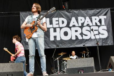 Pulled Apart By Horses have unveiled a tribute to David Bowie with a cover of 'Ziggy Stardust', with all proceeds donated to Teenage Cancer Trust.The track will be available on […]
