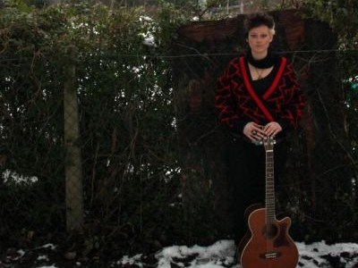 York-based alt-acoustic musician Ridley Barbet has released her first video for the song 'Party Days' – you can check that out below. For more information visit Ridley Barbet's official website. […]