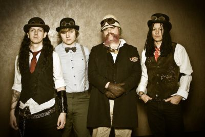 Not yet in the Christmas spirit? We'll sort that. Steampunk stars The Men That Will Not Be Blamed For Nothing have released a Xmas treat for you in the form […]