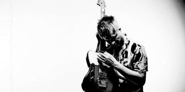 Former Oceansize and British Theatre front man and current Biffy Clyro live guitarist Mike Vennart can announce details for his forthcoming second album 'To Cure A Blizzard Upon A Plastic Sea', which is set for release September 14th through his own Medium Format […]