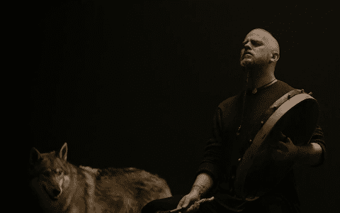 "The first glimpse of Kvitravn, the forthcoming album from Wardruna, is revealed today by way of a starkly beautiful video for ""Grá"", honouring the ancient bond and relationship between man and wolf. ""Grá (Grey) is […]"