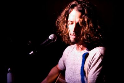 A collection of Chris Cornell's songs performed acoustically is set for a November release. 'Songbook' features new songs and versions of tracks from Soundgarden and Audioslave.  It's released on November […]