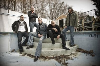 It was announced yesterday (January 4) that Howard Jones, lead singer of Killswitch Engage, has left the band's line-up. The remaining members of the band, who Jones fronted for nine […]