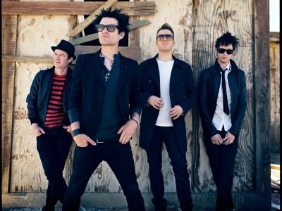 It's been announced Canadian rock quartet Sum 41 are no longer able to take part in this year's Kerrang! tour. Their withdrawal from the eleven-date schedule is due to frontman […]