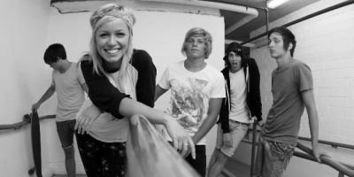 A Syndey quintet consolidate on their first UK live shows last year with the release of a début EP this year. Tonight Alive, tipped by British alternative press as a […]