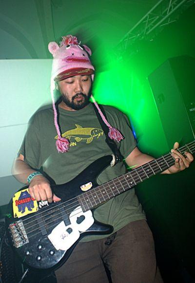 Devilmans_DJ_Scotch_Egg_on_the_bass