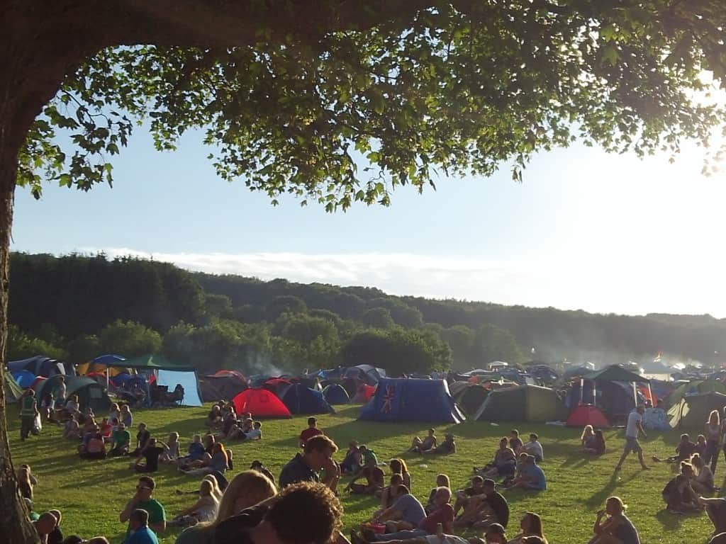 Sunny evenings abound at 2000Trees 2014