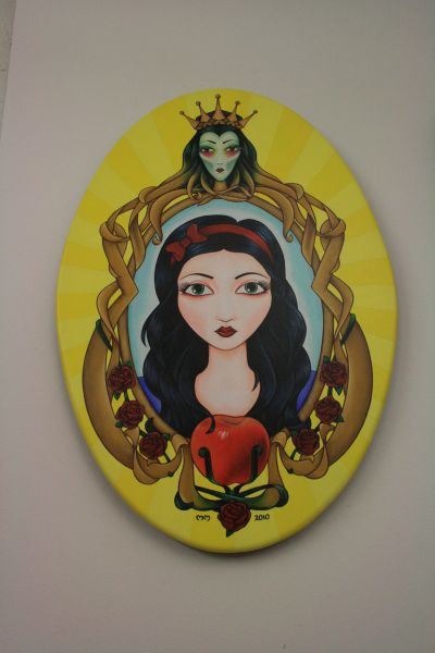 Michelle Maddison's art portraying Snow White
