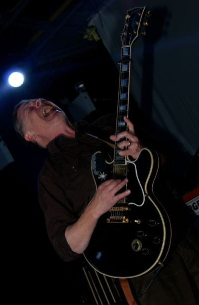 Swans_live_at_Supersonic_Festival_2010
