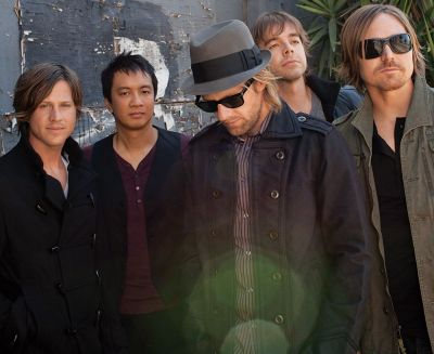 Switchfoot_-_Pub2_-_ClaireJeremy_Weiss