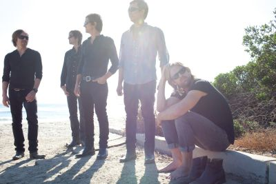 Switchfoot_-_Pub4_-_ClaireJeremy_Weiss